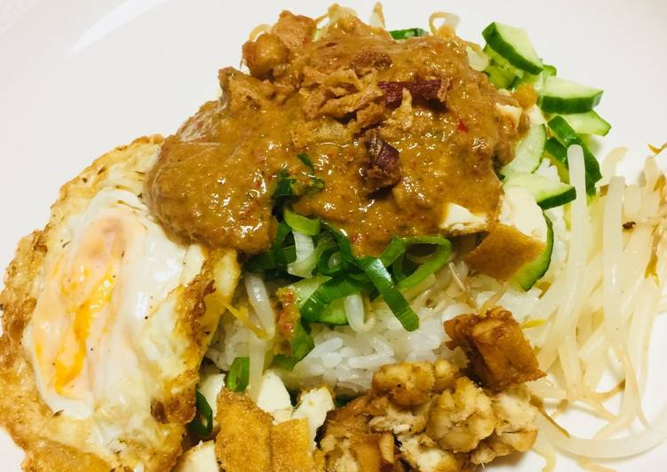 Resep: Nasi Lengko dadakan yang menggugah selera