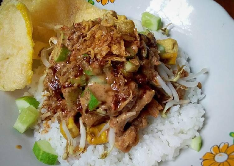 Resep: Nasi Lengko khas Cirebon lezat
