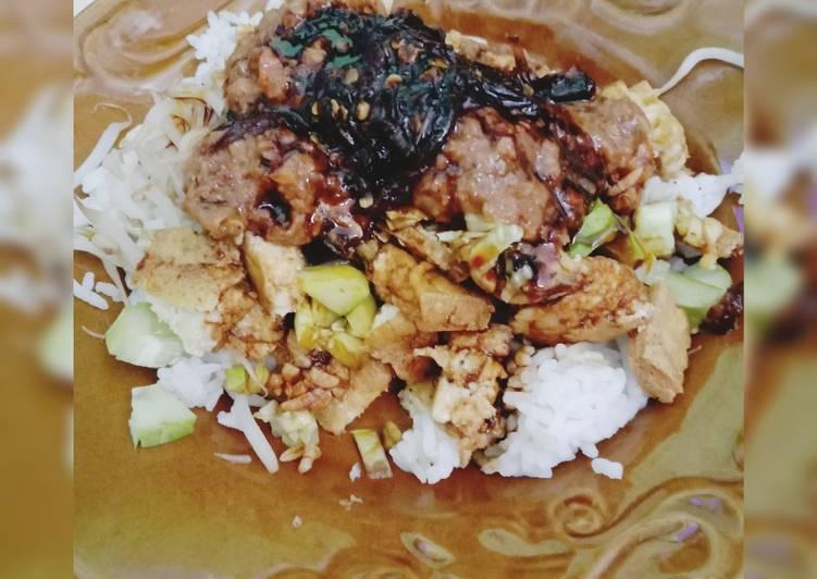 Cara Mudah membuat Nasi Lengko khas Cirebon yang menggugah selera