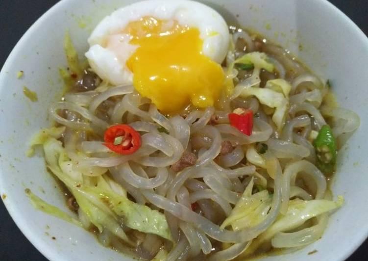 Cara memasak Mie shirataki kuah bumbu indomie empal gentong DEBM enak