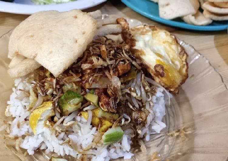 Resep: Nasi Lengko Indramayu yang menggugah selera