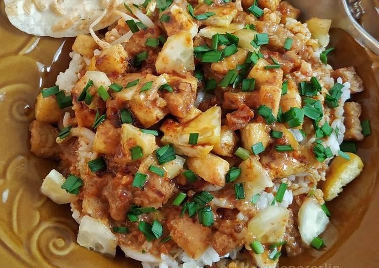 Resep mengolah Nasi Lengko Khas Cirebon Jeh! yang bikin ketagihan