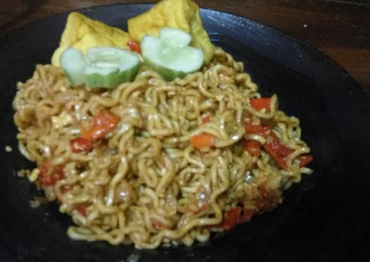 Mie Pedas Rawit Merah Besar Ala Ana Aprilliani Sukabumi