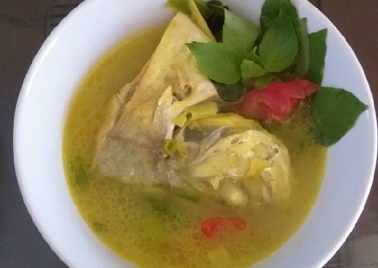 Sop ikan kue bumbu kuning