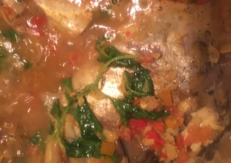 Woku kepala Ikan Kue