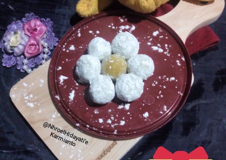 Resep: Mochi Kunyit isi keju yang bikin ketagihan