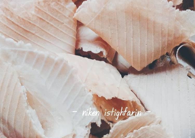 Resep: Kue semprong / opak gambir / opak gulung lezat