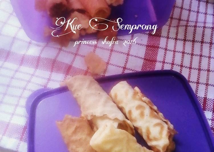 Cara mengolah Kue Semprong ala mba Rindaags Agustina enak