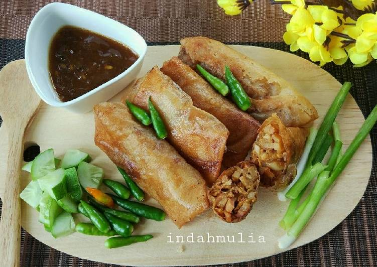 Resep mengolah Lumpia Semarang + saos bawang