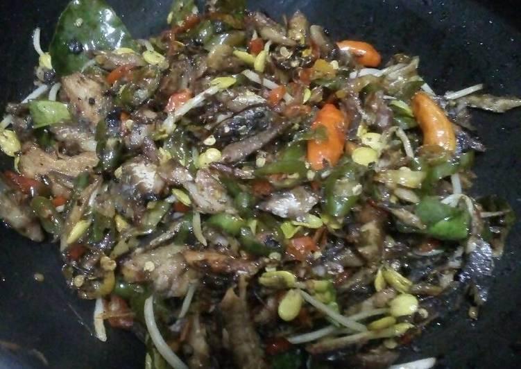 Resep: Tumis Ikan Asin, Lombok Ijo, Ale yang menggoyang lidah