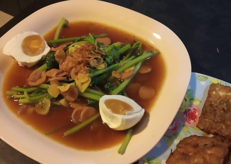 Cara memasak Tumis bayam telur asin brebes sedap