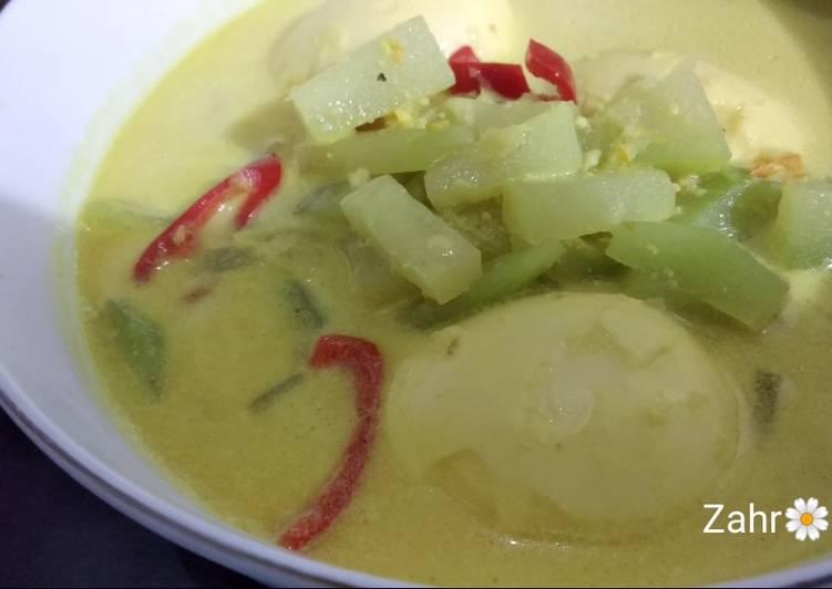 Cara memasak Sayur Santan Labu Siam dan Telur sedap