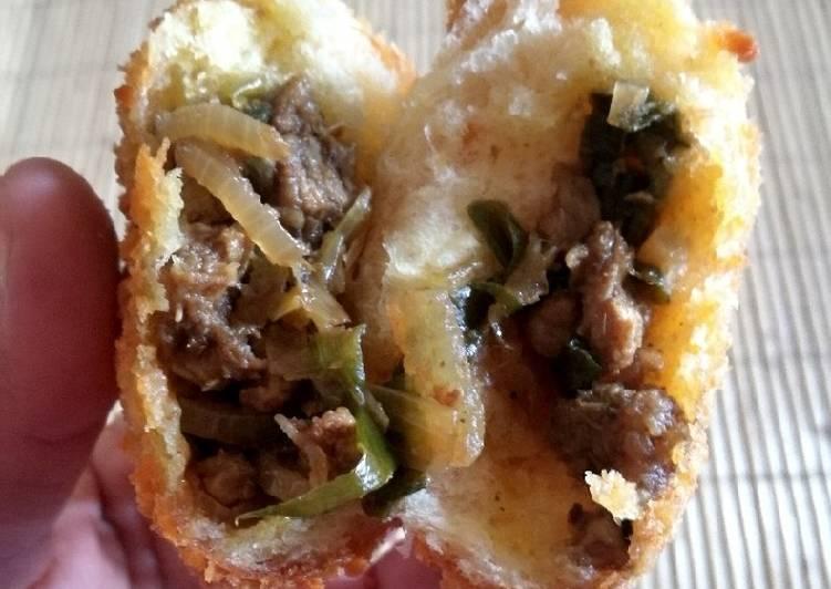 Roti Goreng Isi Daging Gulai (tanpa telur)