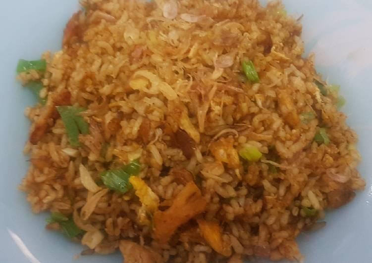 Cara mengolah Nasi goreng bumbu gulai lezat