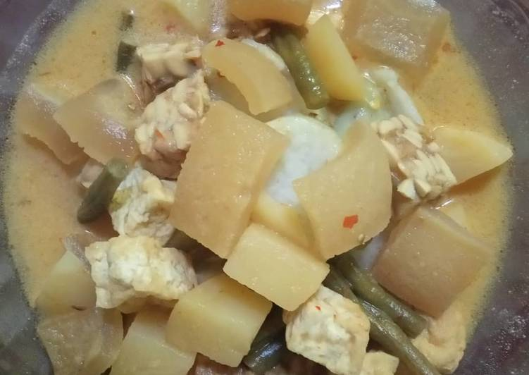 Resep: Lontong kupat sayur bumbu ndeso lezat