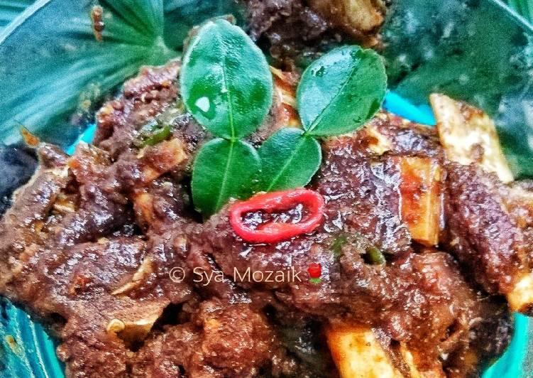 Cara memasak Tengkleng sapi pedas yang menggugah selera