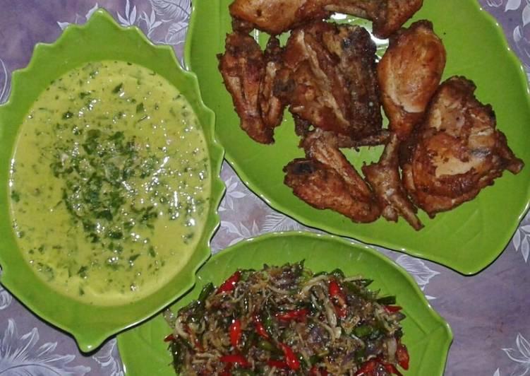 Resep: Ayam goreng,gulai daun ubi tumbuk,sambel bawang+teri lezat