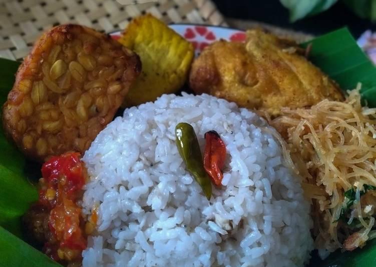 Cara memasak Nasi Liwet Magic com yang menggugah selera