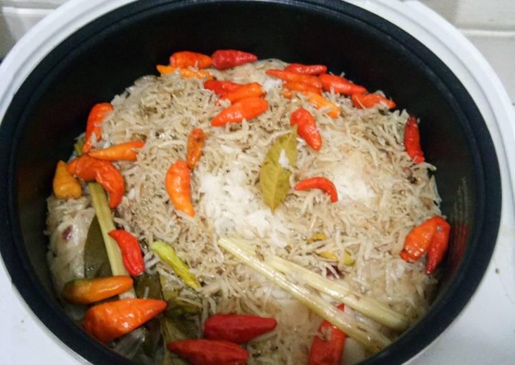 Resep memasak Nasi Liwet Tanpa Santan yang bikin ketagihan