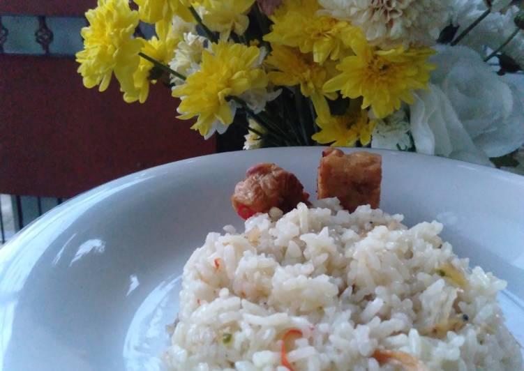 Resep: Nasi Liwet (aseli praktis pakai rice cooker) sedap