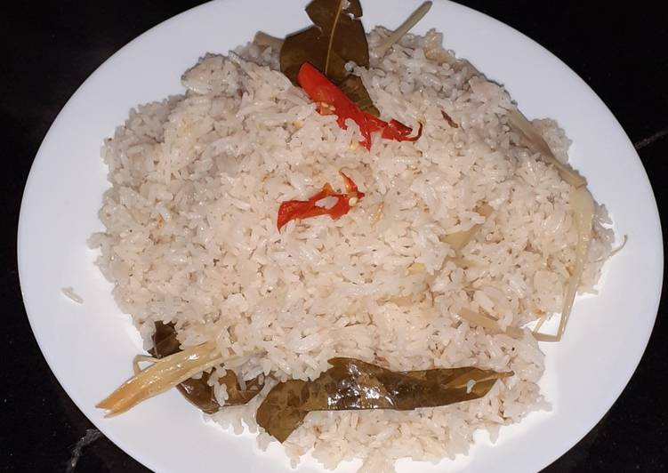 Resep memasak Nasi liwet simpel yang bikin ketagihan