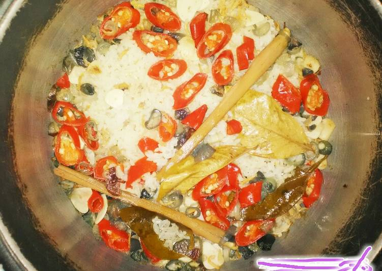 Resep: Nasi liwet ternas(teri nasi) ricecooker simpel 🍚🍛 enak
