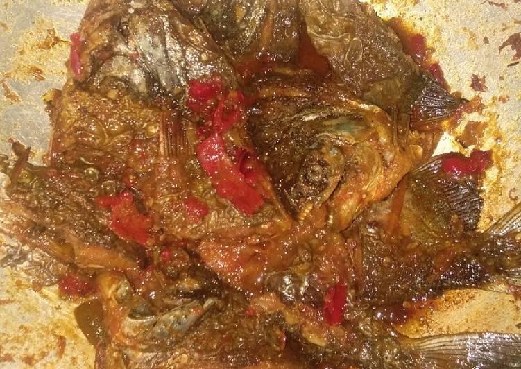 Resep mengolah Bawal balado tomat istimewa