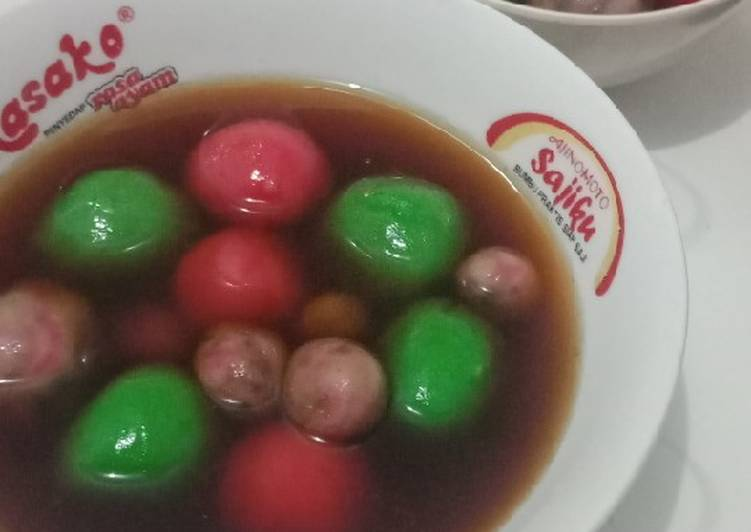 Resep mengolah Wedang ronde isi keju dan gula merah yang menggugah selera