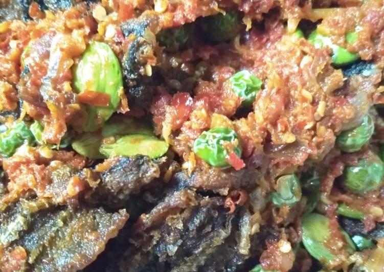 Resep mengolah Belut goreng petai rimbang balado enak