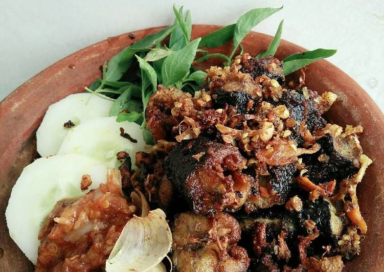 Spesial belut (belut goreng bawang putih)🍛