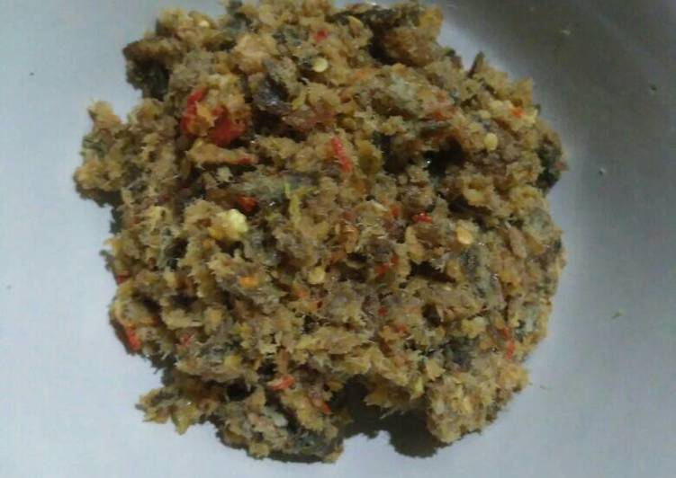 Cara Mudah membuat Sambal belut goreng yang menggugah selera