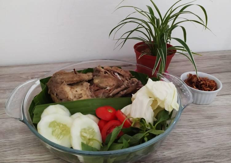 Resep: Ingkung Ayam Kampung yang bikin ketagihan