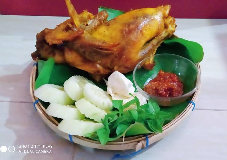 Cara memasak Ingkung ayam bumbu ungkep