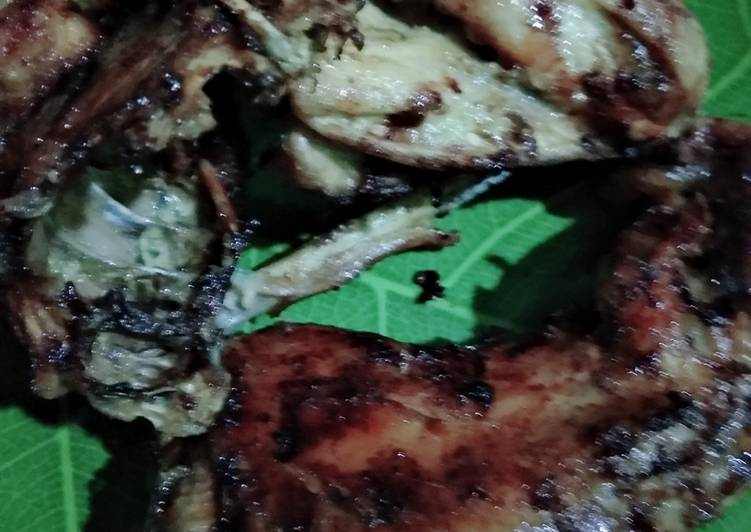 Ayam bakar bumbu ingkung spesial sambal keluarga😊