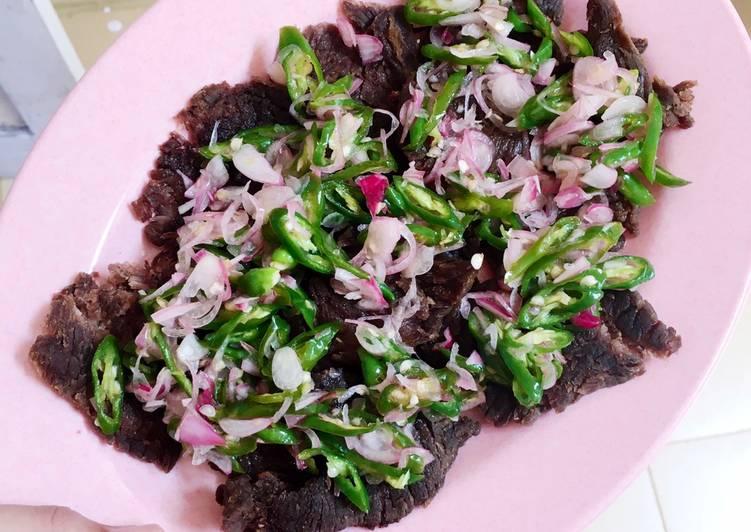Resep: Dendeng batokok acar cabe hijau dan bawang lezat