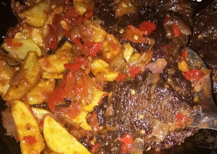 Cara membuat Dendeng batokok daging sapi + kentang lezat