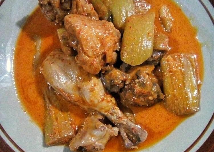Cara memasak Ayam Gulai Kemumu ala resto