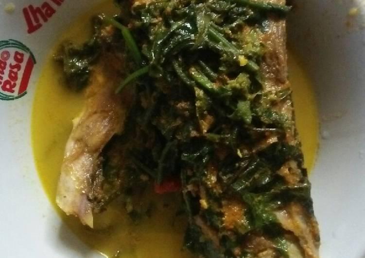 Resep: Gulai pakis kepala ikan sedap