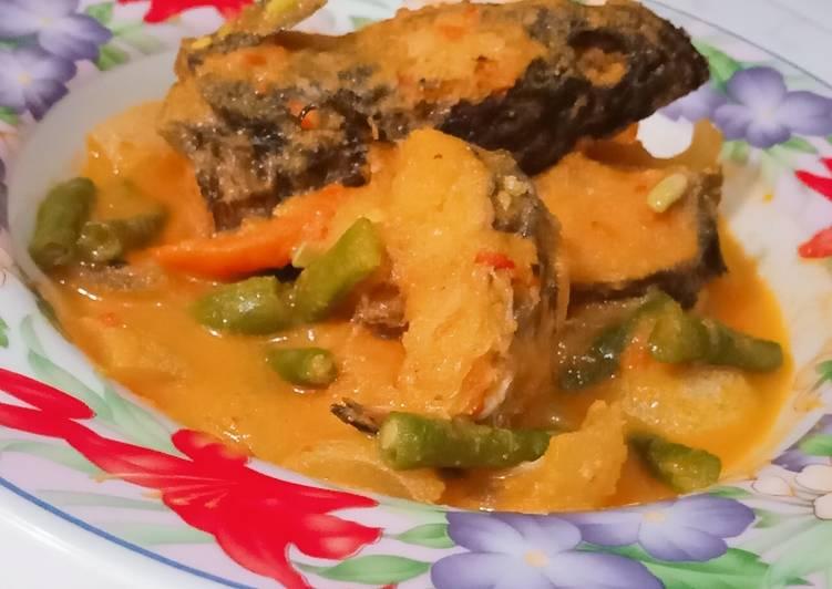 Resep membuat Gulai ikan gabus dan kulit sapi istimewa