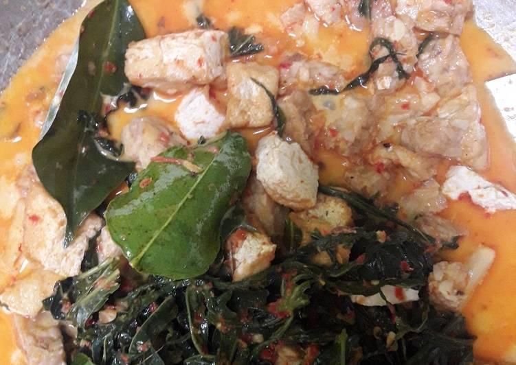 Resep mengolah Gulai pucuk ubi, tempe, tahu yang bikin ketagihan