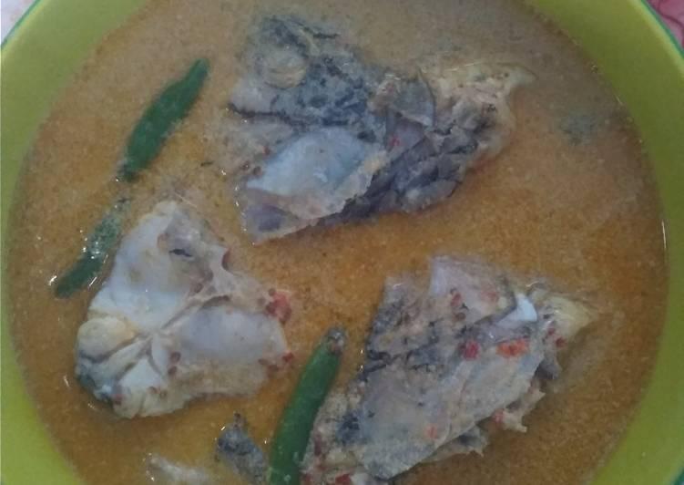 Gulai kepala ikan nila