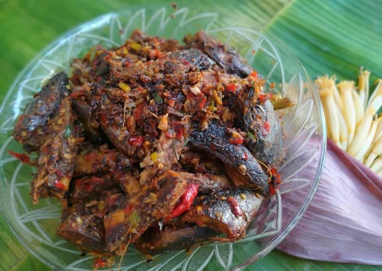 Resep: Tongkol balado ala masakan rumah padang lezat