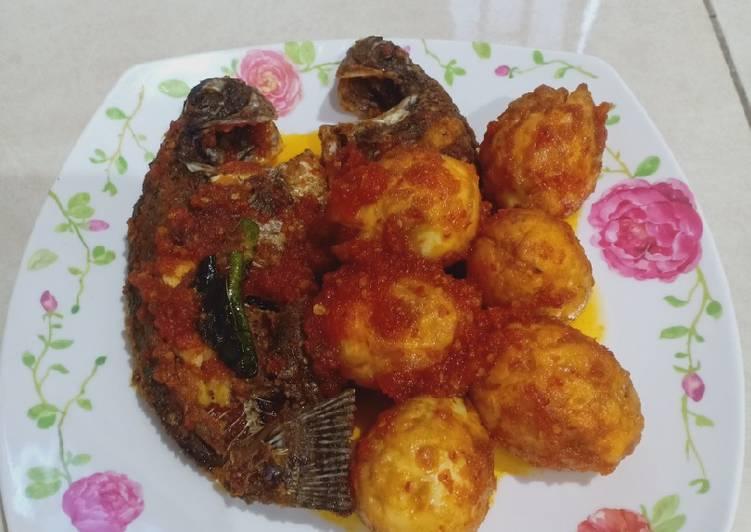Resep membuat Ikan nila + telur balado yang bikin ketagihan