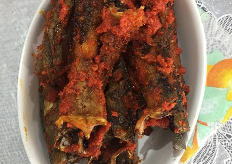 Resep mengolah Ikan lele sambal balado enak