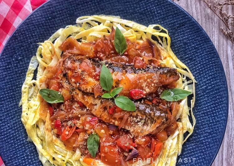 Spaghetti Telur dg Topping Sarden Balado