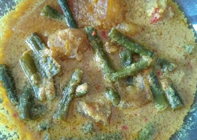 Resep: Krecek kerupuk kulit + kacang panjang lezat