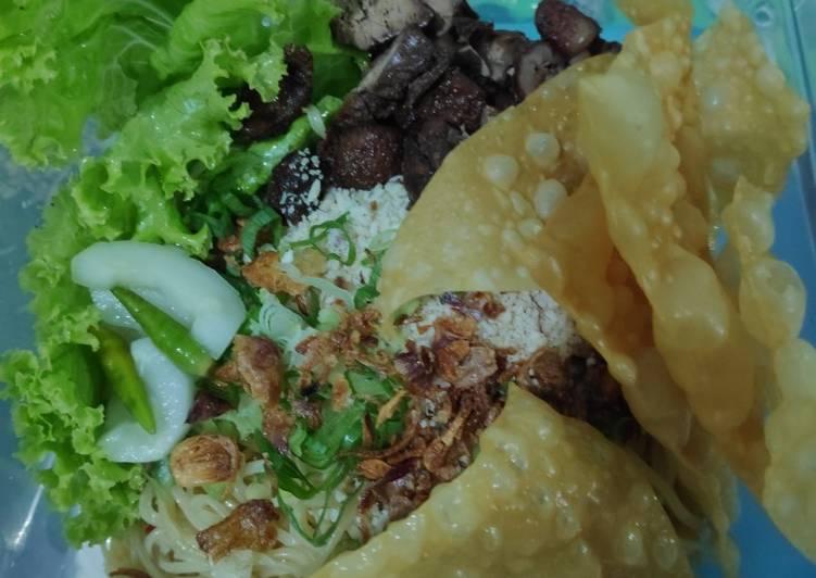 Resep: Mie Pangsit khas Malang (Simpel dan mudah) ala resto