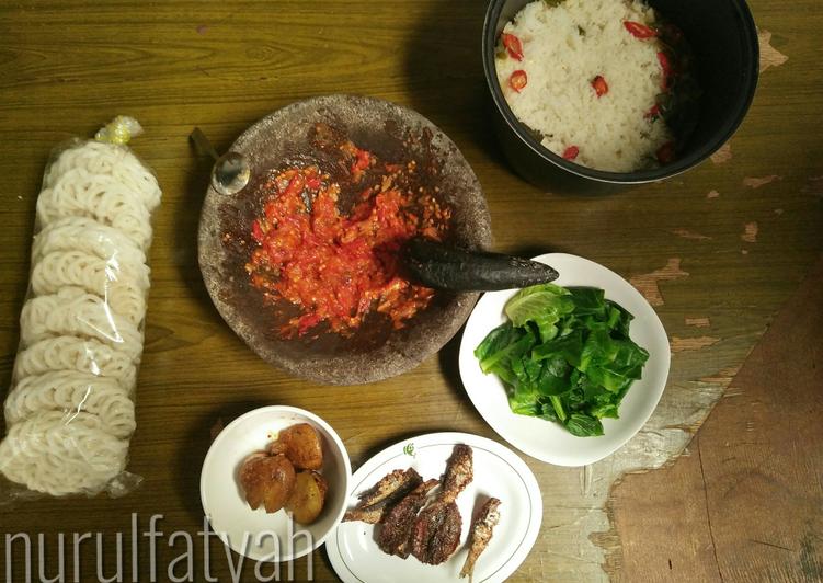 Resep: 3. Nasi liwet rice cooker (No santan) yang menggugah selera