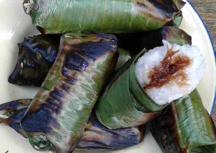 Resep: Lamang Baluwo aka Lemper isi unti klapa 😉 sedap