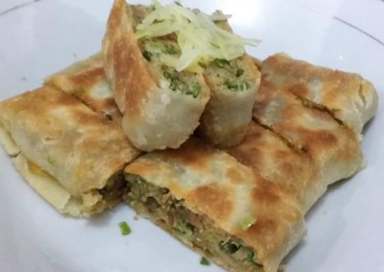 Resep membuat Martabak mesir isi 'rendang daging & baso'